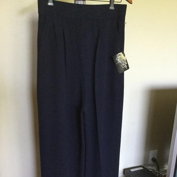 ST JOHN 12 Navy Knit Pants with buckle belt